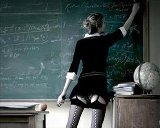 17/673/teacher-middle.jpg